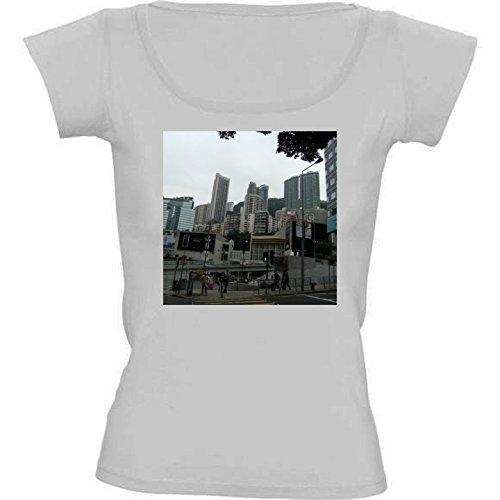 camiseta-blanca-con-cuello-redondo-para-mujeres-tamano-l-rascacielos-en-hong-kong-4-by-cadellin
