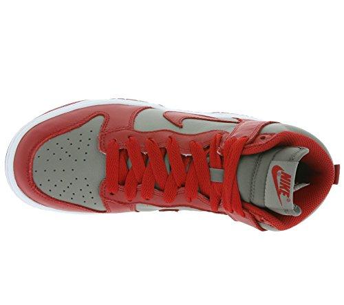Nike Wmns Dunk Retro Qs, Scarpe sportive Donna Grigio (Soft Grey / Univ Red) (rosso)
