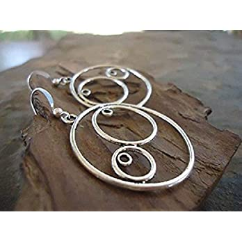 ✿ STILISTISCHE KREISE ✿ minimalistische Ohrringe