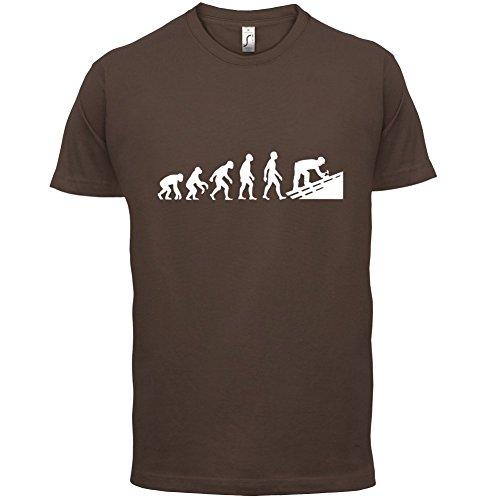 Evolution Of Man Dachdecker - Herren T-Shirt - 13 Farben Schokobraun