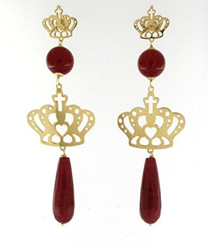 Orecchini pendenti in argento 925 placcati oro a forma di corona con pietre naturali, agate bordeaux, lunghezza circa 8.6 cm. interamente realizzati a mano da maestri orafi.