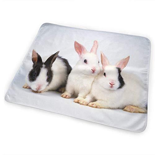 Voxpkrs Weiche Windelkissen Saugfähige waschbare Matratze Cute Rabbits Bunny Graphics(65x80cm) -