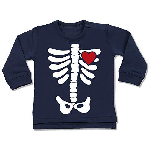Shirtracer Anlässe Baby - Skelett Herz Halloween Kostüm - 6-12 Monate - Navy Blau - BZ31 - Baby Pullover