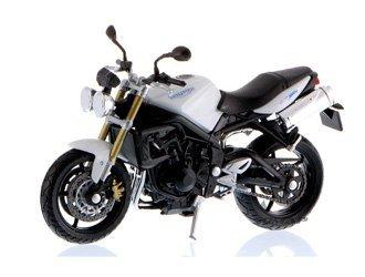 triumph-street-triple-modele-moule-moto