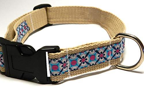 KonsumSchwestern Hundehalsband beige mit - ORNAMENTE - Breite: 2,5 cm - Länge verstellbar von ca. 33 cm bis ca. 57 cm - Größe: L - mit Steckschließe und D-Ring - Hunde-Halsband -