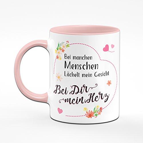 Tasse Bei manchen Menschen Lächelt Mein Gesicht - Bei Dir Mein Herz - Kaffeetasse Rosa - Geschenk für Freundin/Frauen - Geburtstagsgeschenk für Freundink für - 2