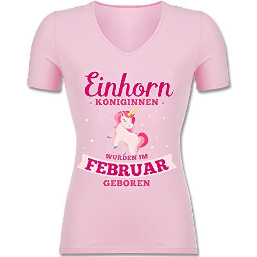 Shirtracer Geburtstag - Einhorn Königinnen Wurden IM Februar Geboren - Tailliertes T-Shirt mit V-Ausschnitt für Frauen Rosa