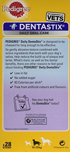 Pedigree DentaStix Hundesnack für mittelgroße Hunde (10-25kg), Zahnpflege-Snack mit Huhn und Rind, 4 Packung je 28 Stück (4 x 720 g) - 5