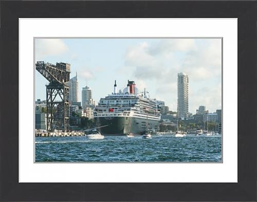 framed-print-of-queen-mary-2-at-garden-island-sydney