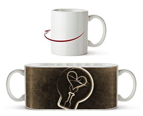 Zeichnung einer Glühbirne mit einem Herz Effekt: Sepia als Motivetasse 300ml, aus Keramik weiß,...