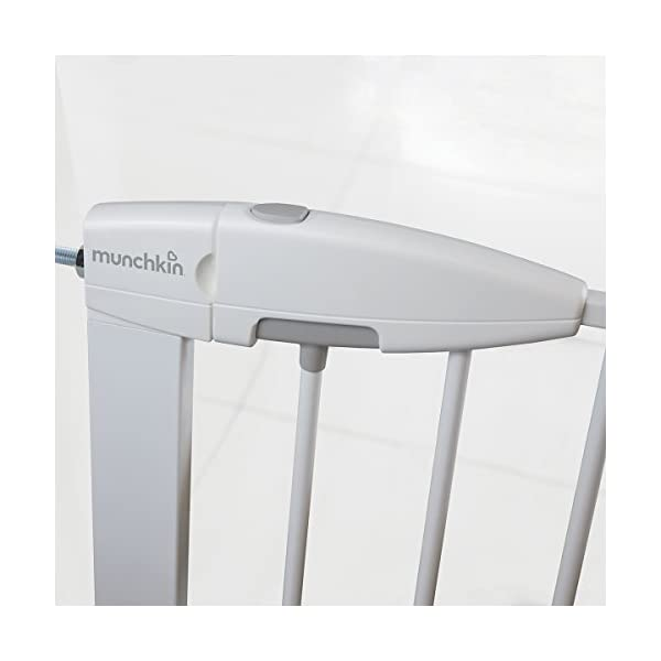 Munchkin Safety Gate Easy Lock (White) Munchkin The pressure gauge ensures the gate is installed correctly The U-frame is secured with 4 pressure points for a tight fit pressure Push and squeeze the handle for easy one-handed opening by an adult. 5