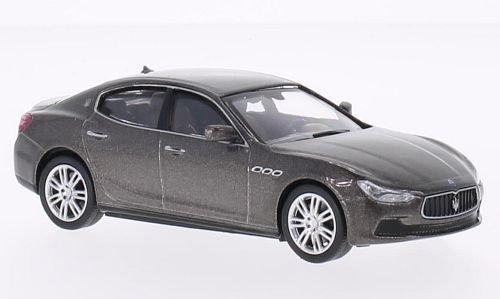 maserati-ghibli-metallic-grau-2013-modellauto-fertigmodell-whitebox-143