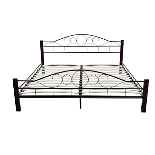 Metal bed with wooden leg 180 x 200 cm.