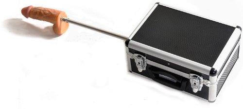 Sexmaschine Im Koffer Mit Fernbedienung. Eine Fickmaschine Die Viele Stellungen Zulässt Und Schnell Vor Ungewollten Mitwissern Versteckt Ist. Die Geschwindigkeit Lässt Sich Dank Pwm Sehr Fein Justieren. Ein Dildo Mt Einer Grösse Von 15,5cm X 4cm Ist Dem Set Enthalten.