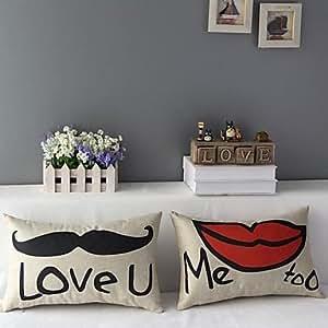 Ensemble de deux Mr.Moustache et couvre Honey Love coussin décoratif de Mrs.Lip