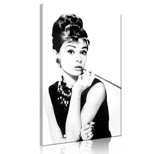 AUDREY HEPBURN\'S SMOKING 80x50cm (lg-020) - Bild auf Leinwand - Frühstück bei Tiffany Fotokunst Movie Film Glamour Star Deko Kunstdruck Pop Art Deko - Alle unsere Bilder sind auf Keilrahmen aufgezogen: fertig zum Aufhängen