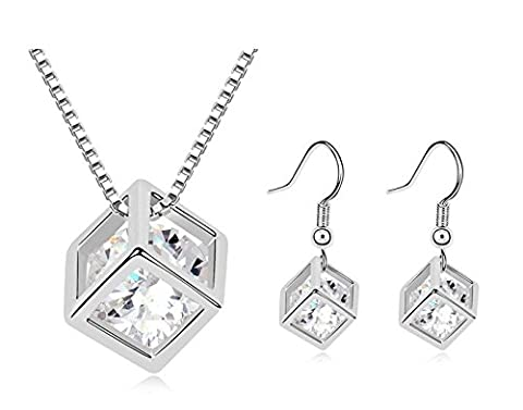 Saphira fashion jewellery. Silver necklace and earrings. White Austrian crystal . Swarovski Elements. Solitaire in a