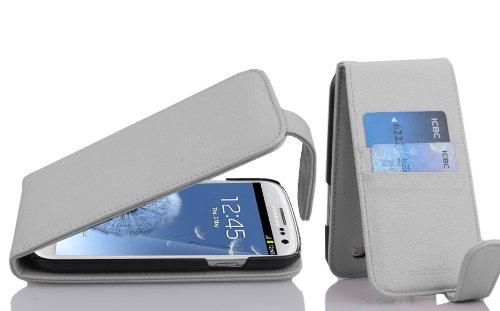 Preisvergleich Produktbild Cadorabo Hülle kompatibel mit Samsung Galaxy S3 / S3 NEO Hülle in MAGNESIUM WEIß Handyhülle mit Kartenfach im Flip Case Cover Schutzhülle Etui Tasche