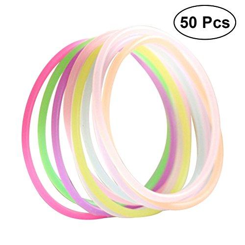 Toyvian 50pcs Glow Stick Armband Regenbogen sortierte Farbe Gelee Armbänder für Kinder (zufällige Farbe)