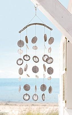 """Windspiel """"Capiz"""" weiß lackierter Holzbügel, aufwändig gestaltete Holzscheiben und Capizplättchen an Schnur aufgereiht, harmonischer Klang, kleiner Metallring zum Hängen, balinesische Handwerkskunst Höhe ca. 60 cm"""