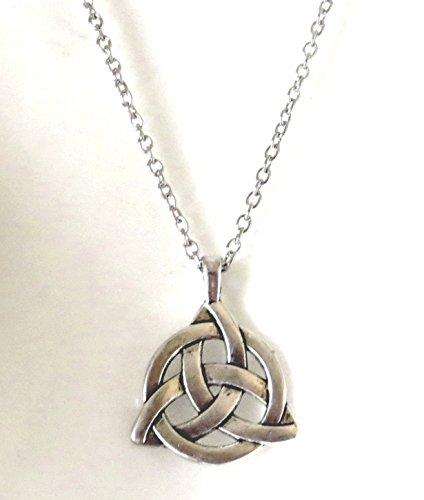 Collana-con-ciondolo-nodo-celtico-Gothic-Lacrima-29mm-gothic-wicca-celtic-knot-necklace-strega-pagan-larp