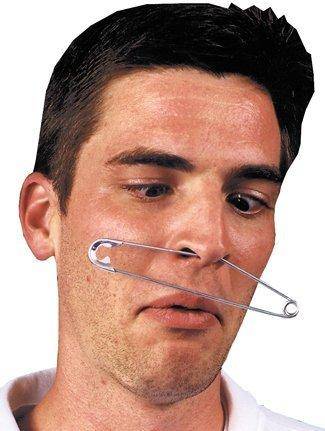 DISC0UNTST0RE Fake Piercing in der Nase (Giant Nail Clip)