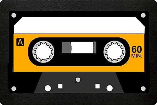 Musiktape Fußmatte In Schwarz - Oldschool Music Schmutzfangmatte Für Dein Zuhause Aus Polypropylen Mit Rutschfester Unterseite - HOCHWERTIGE QUALITÄT - Maschinenwaschbar - Die Perfekte Türmatte Mit Coolem Style - Perfekte Geschenk Idee