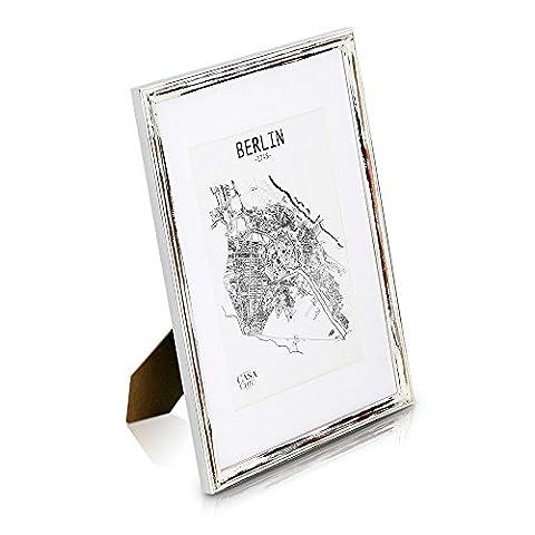 Shabby Chic A3 Bilderrahmen - mit Passepartout für A4 Fotos - Plexiglas - 2 cm Rahmenbreite - Echtholz - Braun Weiß