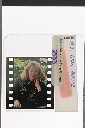 slides-photo-of-american-actress-bonnie-hunt