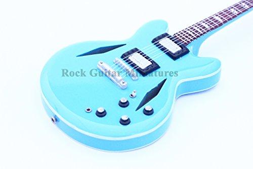 rgm91Dave Grohl Foo Fighters Miniatur Gitarre inkl. Leder Gitarrengurt -
