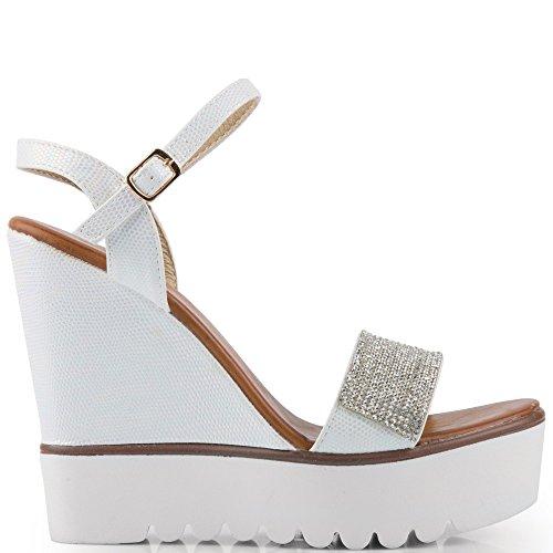 Ideal Shoes–Sandali compensate effetto glitter e decorati di strass Danae Bianco