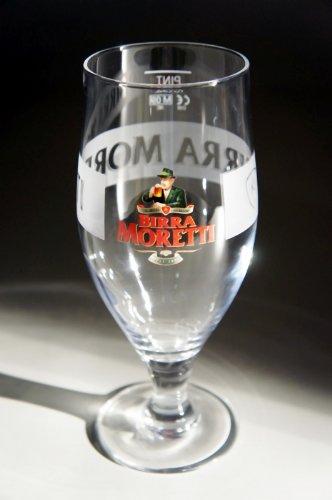 copa-de-pinta-de-cerveza-moretti-568-ml