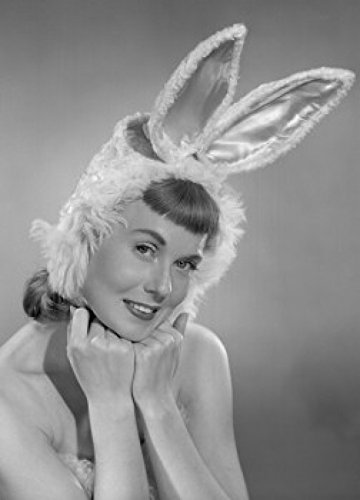 Pin-up Girl Wearing Bunny Costume Poster Drucken (60,96 x 91,44 cm)