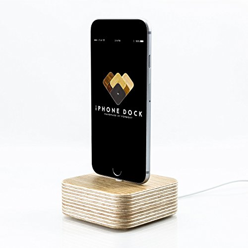 iPhone Dockingstation Holz für iPhone 7, 7 Plus, 6, 6 Plus, 5, 5s, 5c, SE, Apple Tv Dock, Handy Ladestation, Docking Station // Handmade in Germany von FORMGUT® // Eiche
