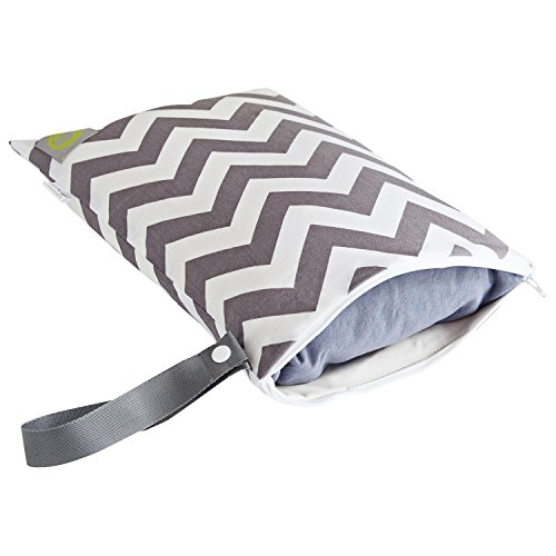 itzy-ritzy-travel-happens-sealed-wet-bag-grey-chevron-by-itzy-ritzy
