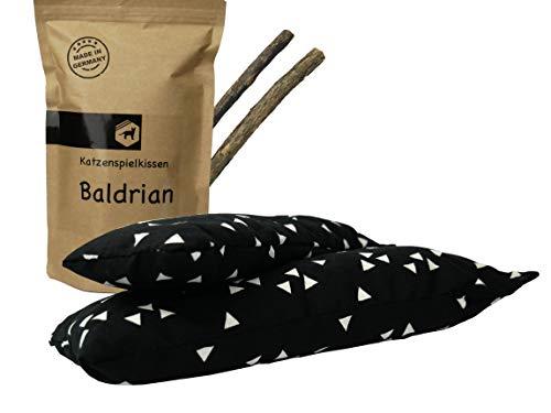 Kira Gates Katzen Spielkissen Baldrian XL | 2 Stück | Natürliches Katzenspielzeug mit unbedenklichem Füllmaterial (Schwarz Dreiecke)