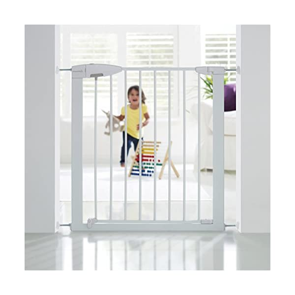Munchkin Safety Gate Easy Lock (White) Munchkin The pressure gauge ensures the gate is installed correctly The U-frame is secured with 4 pressure points for a tight fit pressure Push and squeeze the handle for easy one-handed opening by an adult. 2