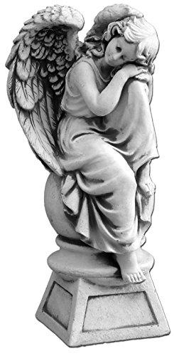 Wunderschöne Engel Figur auf Podest aus Steinguss, frostfest Grabdeko
