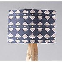 Pantalla de lámpara azul con diseño de triángulo geométrico rosa, lámpara de sobremesa o plafón.