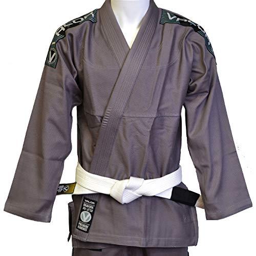 La bravura de valor es una alta calidad de Jiu-Jitsu Brasileño que es ligero, duradero y cómodo de tren en.La chaqueta está hecha de alta calidad algodón pearl Weave, tiene una solapa de goma, tiene un corte a medida para un mejor ajuste y está refor...