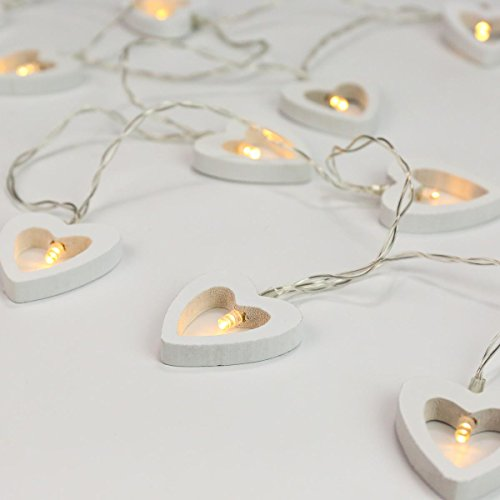 Herz Lichterkette, batteriebetrieben, 10 weiße Holzherzen mit LEDs in warmweiß, mit TIMER-Funktion, von Festive Lights