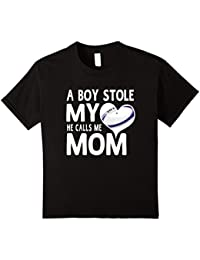 A Boy Stole My Heart He Calls Me Mom Rugby Moms Gift T-Shirt Kinder, Größe 104 Schwarz