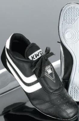 KWON Trainingsschuh Chosun Plus in 2 Farben, schwarz, EU 42
