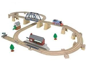 thomas le petit train circuit en avant thomas jeux et jouets. Black Bedroom Furniture Sets. Home Design Ideas