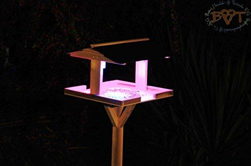 Vogelhaus,Futterhaus mit Ständer,DACH ROT,MIT Beleuchtung,LED-Licht / Vogelhaus,wetterfest IN (TEAK) DUNKELBRAUN,belHI-VIERDAROT-BEL-dbraun002 groß, PREMIUM Vogelhaus KOMPLETT mit Ständer,WETTERFEST, Holz Vogelhaus,MIT,Vogelfutter-Station Farbe braun dunkelbraun schokobraun rustikal klassisch,Ausführung Naturholz MIT WETTERSCHUTZ-DACH für trockenes Futter - 5