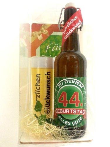 t Bier Geschenk zum 44. Geburtstag das bei Frau und Mann immer gut ankommt, Bierflasche mit Etikett, Glas Bierkrug und Geschenk Postkarte ()