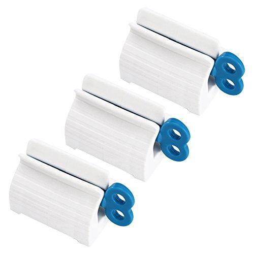 Daptsy 3 pack blaue vertikale Zahnpastaquetscher schön prägnante Art und Weise Plastikrohr Quetscher praktisch zu Hause Mode-Stil