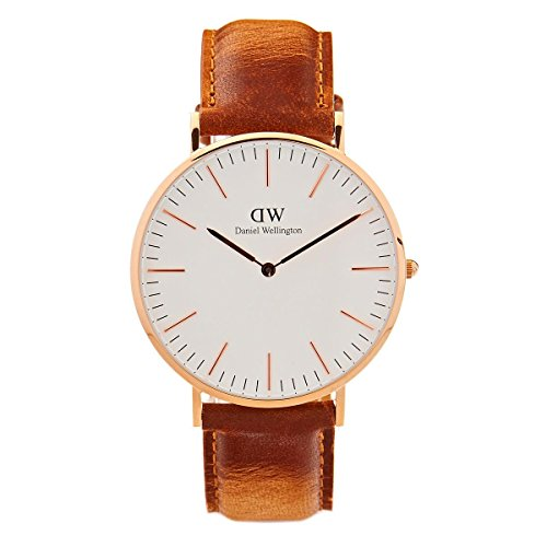 Daniel Wellington Men Analog Quartz Watch with Leather Strap DW00100109