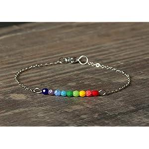 Zartes silbernes Armband mit kleinen Glasperlen Regenbogen