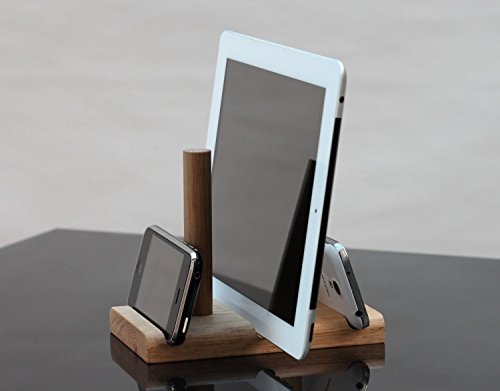phone-and-tablet-organiser-dock-oak-adjustable-and-universal-ipad-iphone-samsung-note-any-smart-devi